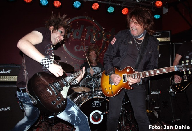 kee-marcello-jonny-kee_hard-rock-cafe-9-12-16